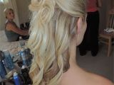 Hairstyles to Keep Your Hair Down Carrie S Bridal Hair Half Up Half Down Hairbymissy