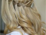 Half Up Hairstyles for Bridesmaids Our Favorite Half Up Hairstyles for Bridesmaids