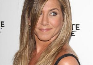 Jennifer Aniston Hairstyles Photos Jennifer Aniston Long Straight Casual Hairstyle with Side Swept