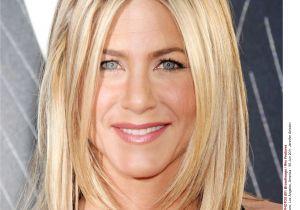 Jennifer Aniston Hairstyles Pictures Jennifer Aniston Hothair Capelli
