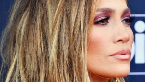 Jennifer Lopez Hairstyles 2019 Jennifer Lopez Short Bob Hair Cut with Blonde Balayage Hair Color