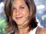 Layered Hairstyles Definition Gasp Jennifer Aniston Finally Does something Different with Her