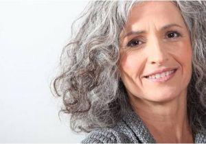 Long Hairstyles for 60 Year Old Woman Voici 60 Conseils De Femmes âgées De 60 Ans Aux Jeunes