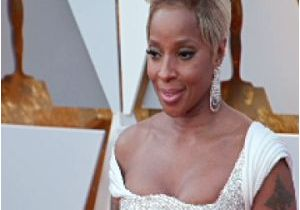 Mary J Blige Short Hairstyles 2009 Mary J Blige Hairstyles 2009 Blige Mary J 4 event In Hollywood Life