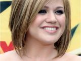 Medium Length Hairstyles for Heavy Women 20 Best Hairstyles for Round Faces Womens Hair Tricks