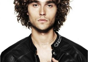 Mens Hairstyles for Thick Curly Hair 30 Y Hairstyles for Men with Thick Hair