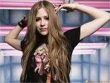 Pop Punk Hairstyles for Girls Avril Lavigne 35 Dark Blonde Light Brunette Hair