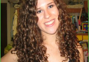 Saloon Girl Hairstyles Pictures Unique Curly Hairstyle for Girl