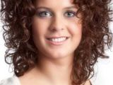 Short Curly Hairstyles for Women with Round Faces 15 Short Curly Hair for Round Faces