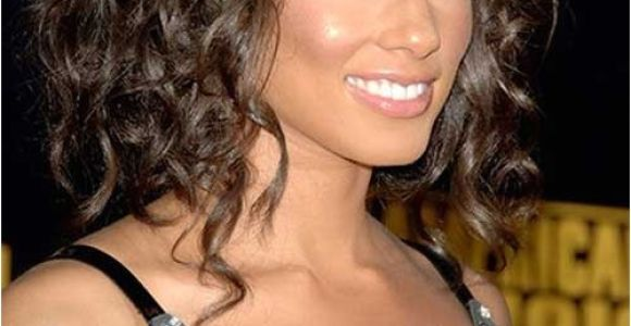 Shoulder Length Curly Hairstyles 20 Good Haircuts for Medium Curly Hair