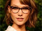 Side Part Womens Hairstyles Best Wavy Short Hair Hairstyles with Side Bangs for Women with