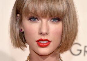 Taylor Swift Bob Haircut Makeup Beauty Hair & Skin
