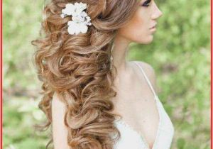 Trendy Hairstyles for Curly Hair 2019 14 Lovely Hairstyles for Curly Hair for Wedding