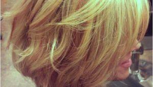 Wavy Angled Bob Haircut the Angled Bob Hairstyle Cyndi Spivey