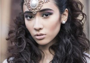 Wedding Hairstyles for Long Faces Indian Bridal Hairstyles for A Long Face