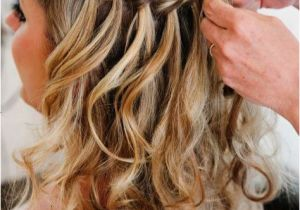 Wedding Hairstyles Long Thick Hair Loose Curls with A Simple but Elegant Braid Detail Makes the Perfect