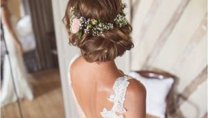 Wedding Hairstyles with Fresh Flowers Wedding Hairstyles 15 Fab Ways to Wear Flowers In Your